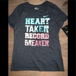 NWT NIKE GIRLS T-SHIRT MEDIUM HEART TAKER BLACK